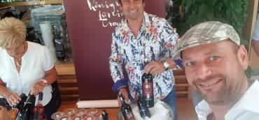 Summerfeeling pur – mit perfekt temperierten Rotweinen macht…