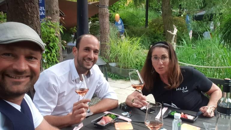 Traumhaft im Traumgarten – #Austrianwine rocks the #BOSG sun…