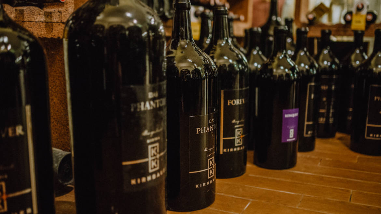 Liebe Weingeniesser,  unser Weingut ist auch im November-Loc…